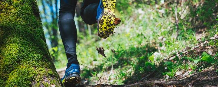 Рейтинг лучших трейловых кроссовок Salomon