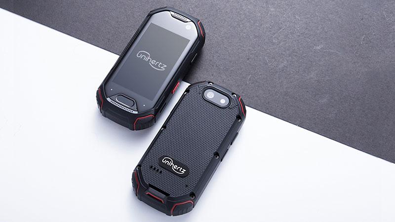 Защищенный 4G смартфон Unihertz Atom
