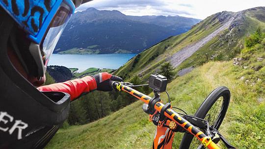 10 лучших экшн-камер для вело, мото и рыбалки 2021 года