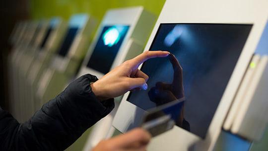 7 лучших мониторов с сенсорным экраном 2021 года